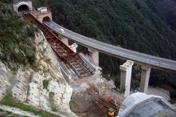 rilievi-geotecnico-strutturale0893647B-25DA-9391-A9E6-AE31318B10FD.jpg